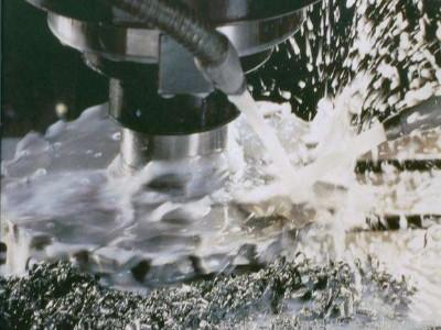 宇田润滑油告诉您如何解决金属切削液的泡沫问题